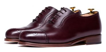 Must have oxfords for men, burgundy shoes, burgundy oxfords for men, versatile shoes, modern shoes, semi brogue Oxford shoes, good quality shoes, perfect shoes