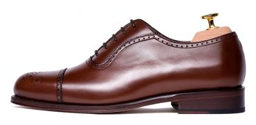 Must have shoes for men, good looking shoes, semi brogue shoes, versatile shoes, shoes for any season of the year, casual shoes, legate oxford, legate shoes for men