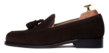 Suede moccasin, tassel shoes, dark brown shoes, brown loafer, tassel moccasins, essential shoe in the closet of a gentleman, suede shoes, essential shoes