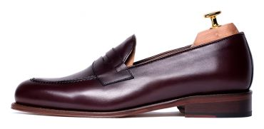 Shoe penny, burgundy shoe, moccasin loafers, dress shoes, dress shoes, casual shoes, care