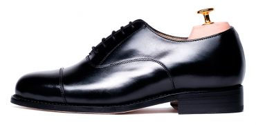 Black Oxford, shoes for the office, perfect shoes for night events, wedding shoes, waterproof shoes, comfortable shoes