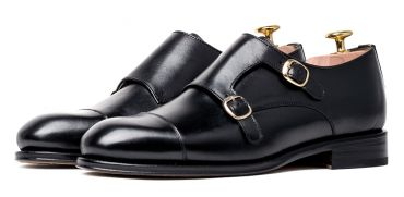 Monkstrap shoes, black shoes, black monkstrap shoes for men, stylish shoes, elegant shoes, versatile shoes for men, sober shoes, good quality shoes