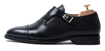 Single black monkstrap, silver buckle, plain monkstrap