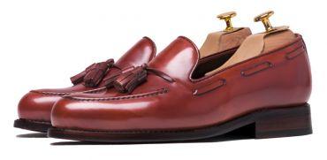 Tassel loafer, tassel loafer in Europe, tassel loafer in brown, tassel loafer made of leather