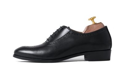 Oxford shoes for women, black Oxford shoes for woman, elegant shoes, classic shoes, comfortable shoes, elegance in a pair of shoes, Oxford shoes made in Spain, office shoes