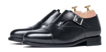 Comfortable walking shoes for men, single monkstrap leather shoes in black