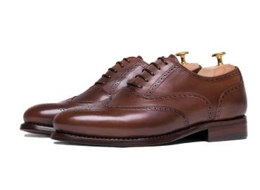 Brandy shoes, full brogue shoes for men, elegant shoes, comfortable shoes, easy to put shoes, good quality shoes, Spanish footwear for men, shoes for any type of men