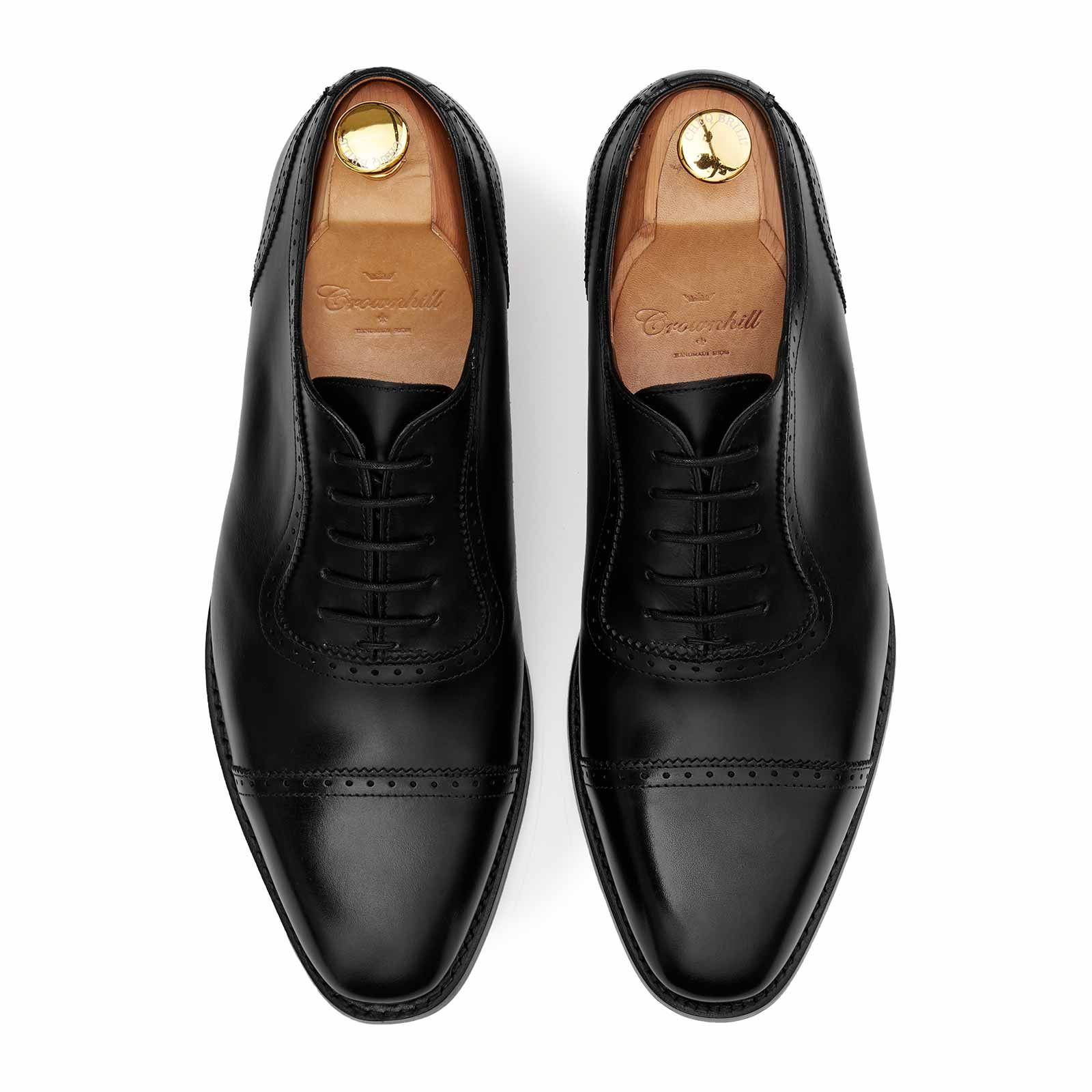 black oxford leather shoes