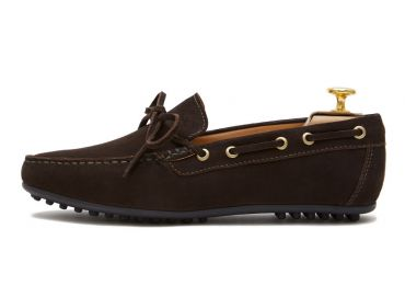 String driver shoe made in dark brown. comfortable shoe for summer
