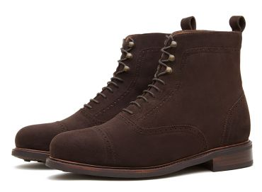 Brown suede shoes for men, boots for all the seasons of the year, boots for the winter, brown laces boots, suede boots in brown