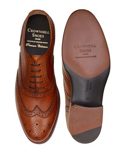 Black Oxford shoe for men, Plain Oxford shoe, shoe with english last, classic shoes, elegant shoes, dress shoes, dress shoes for weddings, wedding shoes for men