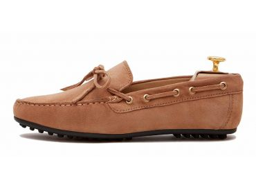 String driver shoe in brown. comfortable shoe for summer